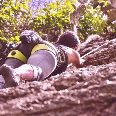 climbing-2101262_1280-min-tender